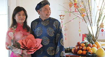 Tet Holiday of a Vietnamese family in the United States