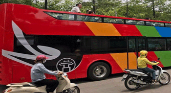 Hanoi in Vietnam tested the two-floor bus for tourism