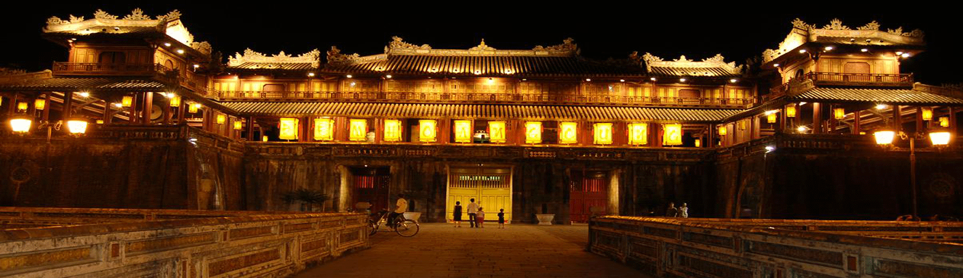 Noon Gate in Hue Forbidden City – World Cultural Heritage